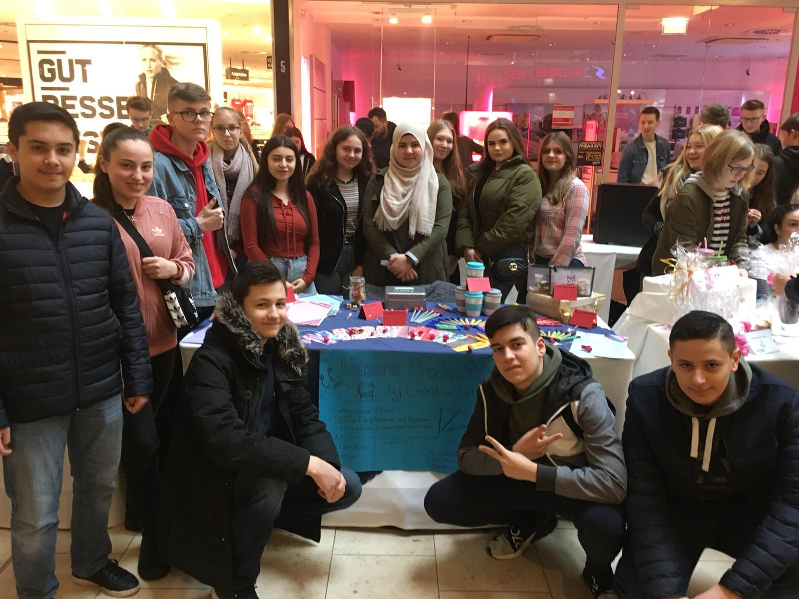 Unsere Schülerunternehmen präsentierten sich am Limbecker Platz