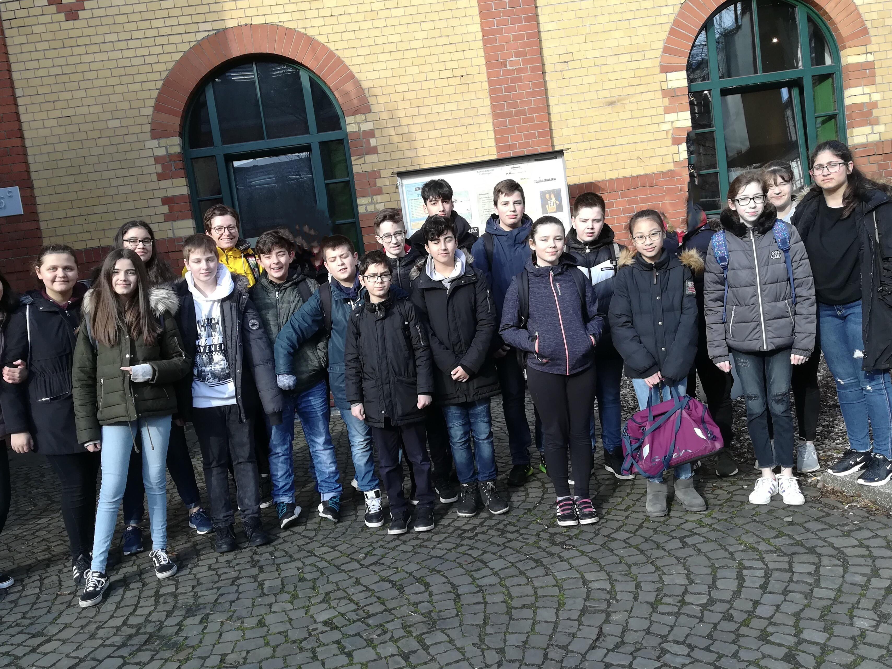 """Klasse 7c beim Kinder-und Jugendtheater """"Traumbaum"""""""
