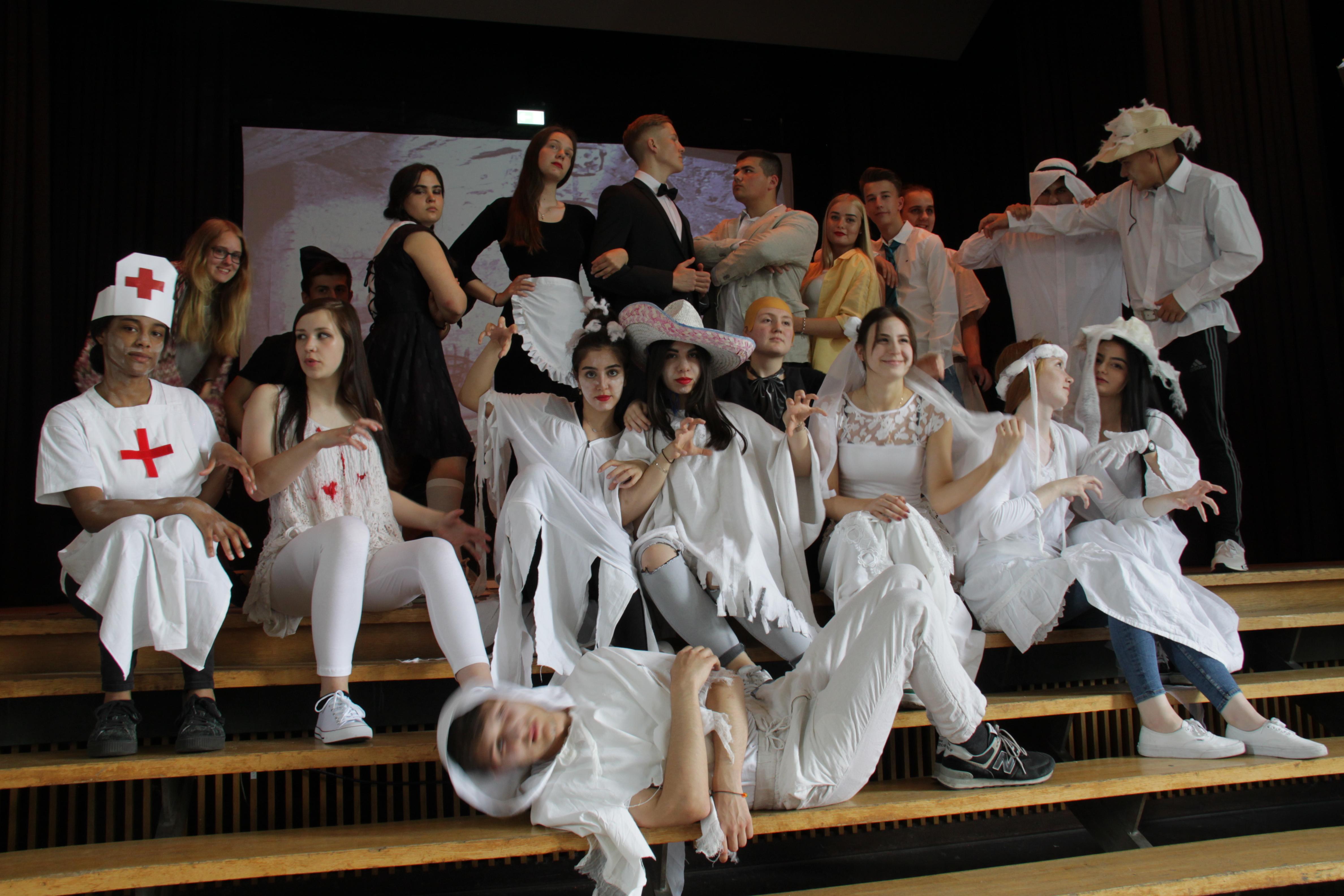 """Schaurig und schön! – """"Die Addams Family"""" – Das Musical live am Gymnasium Wanne"""
